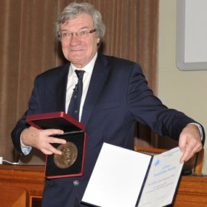 prof. RNDr. Jan Palouš, DrSc. Autor: Ivana Macourková