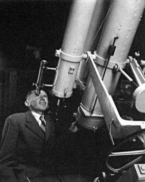 Antonín Bečvář u svého dalekohledu v Úpici Autor: Hvězdárna v Úpici