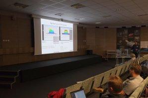 Martin Mašek přednáší o fotometrii s digitálními zrcadlovkami Autor: Kateřina Hoňková