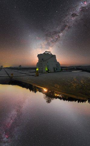Astronomický snímek týdne ESO - X označuje to správné místo. Autor: Petr Horálek/ESO.