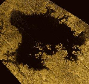 Ligeia Mare – druhé největší moře na Titanu Autor: NASA/JPL-Caltech/ASI/Cornell