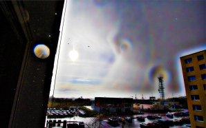 Vzácná terciární duha kolem Slunce pozorovaná 16. dubna 2016 v Plzni. Autor: Daniel Neumann