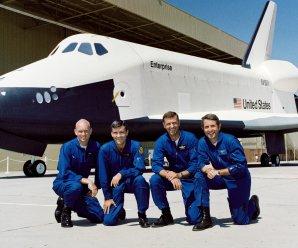 Prototyp raketoplánu Enterprise a jeho piloti Autor: NASA