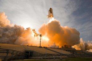 Start raketoplánu Endeavour Autor: NASA