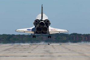 Návrat raketoplánu z mise STS-129 Autor: NASA