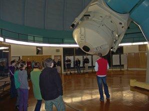 Stát u dvoumetrového Perkova dalekohledu v Ondřejově je zážitek! Autor: APO.