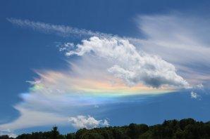 Cirkumhorizontální oblouk ve Vimperku 6. června 2014 Autor: Roman Szpuk