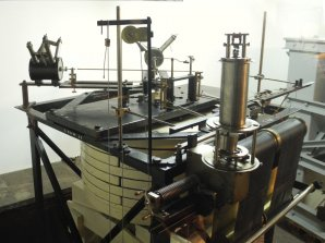 Seismograf Wiecherta na observatoři v Chorzowě. Autor: Jaromír Ciesla.