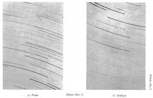 Meteor č. 11, první dvoustaniční fotografie meteoru z Podolí a Ondřejova 9.8.1925 22:49:05. Z knihy V.Gutha, příloha IIa,b Autor: VladimírGuth: Katalog fotografovaných stop meteorů 1885 - 1930