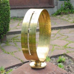Prstencové sluneční hodiny Autor: Jaromír Ciesla
