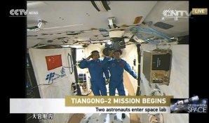 Posádka lodi Shenzhou-11 na palubě kosmické stanice Autor: Xinhua