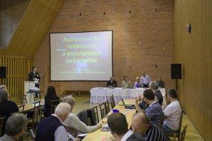 Zahájení konference o astronomickém vzdělávání a popularizaci astronomie. Autor: Ondřej Trnka