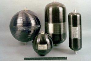 Nádoby na helium uvnitř nádrží Falconu 9 Autor: NASASpaceFlight.com