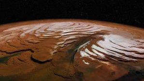 Kaňon Chasma Boreale v oblasti severní polární čepičky Marsu Autor: ESA/DLR/FU Berlin; NASA MGS MOLA Science Team