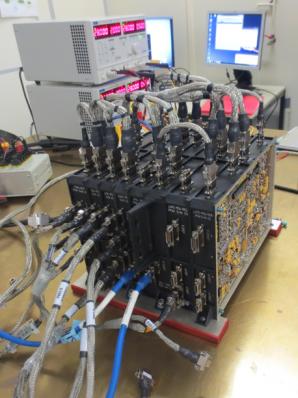 Letový model přístroje pro studium kosmického plazmatu RPW, dvě jednotky LVPS-PDU jsou patrné v pravé části sestavy. Autor: AsÚ AV ČR.