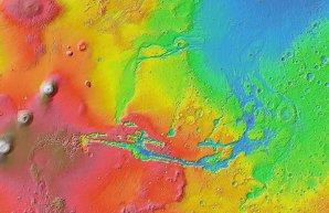 Topografická mapa Marsu v oblasti kolem Valles Marineris Autor: NASA/JPL-Caltech/Arizona State University