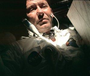 Walter Schirra na palubě Apolla 7 Autor: Sledovací stanice Honeysucklecreek