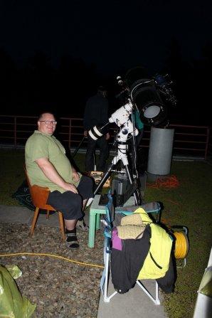 Martin Zíbar v plné polní připraven na fotometrii přechodu exoplanety Autor: Jiří Liška
