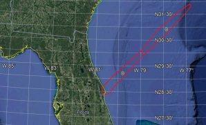 Varování pro piloty a námořníky v Atlantiku ukazuje trajektorii, po které Falcon 9 vynášel z Floridy tajný přístroj Autor: NASASpaceFlight.com