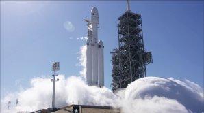 Počátek statického zážehu Falconu Heavy 24. ledna 2018 Autor: NASASpaceFlight.com