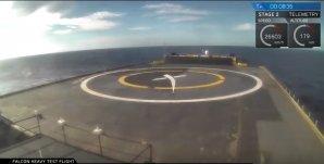 Přistávací loď očekává raketový stupeň. Nedočká se ... Autor: SpaceX