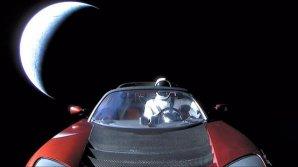 Tesla se vzdaluje od Země Autor: Instagram Elona Muska