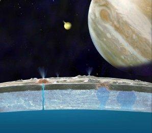 Předpokládaná stavba Jupiterova měsíce Europa Autor: NASA/JPL-Caltech