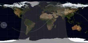 Bílý kruh ukazuje oblast výsledného zániku stanice Tiangong 1 a lokalitu možných dopadů trosek Autor: Twitter/Spaceflight101.com