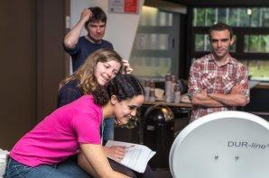 Stáže a workshopy jsou v centrále ESO tím nejatraktivnějším pro zájemce každého věku. Autor: ESO/P. Horálek