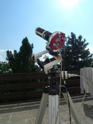 Souprava CCD Atik 320E s refraktorem na původní montáži EQ-2. Autor: Bohuslav Hladík