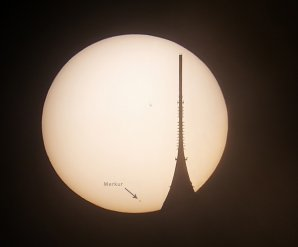 Přechod Merkuru před Sluncem a silueta Ještědu. Autor: Martin Gembec.