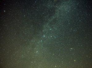 Souhvězdí Kasiopei. Složeno 25x1 minuta, ISO 1600, EOS 1100D. Autor: Jaromír Ciesla.