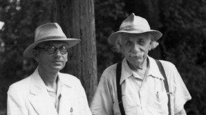 Kurt Gödel a Albert Einstein Autor: Hvězdárna a planetárium Brno
