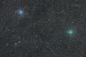 Kometa Wirtanen, Hyády a Plejády. Autor: Petr Horálek.