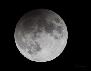 Jen dvanáct minut před maximem polostínového zatmění Měsíce 11. února 2017. Autor: Petr Horálek