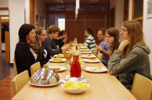 Slavnostní večeře ve fakultním Gastrocentru v areálu na Hradecké ulici. Autor: Simona Beerová
