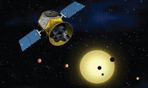 Kresba družice NASA s názvem TESS určené k objevování exoplanet Autor: NASA