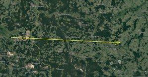 Obrázek 1: Průmět dráhy bolidu EN050120_030159 na zemský povrch. Poloha výrazného zjasnění bolidu je vyznačena kolečkem poblíž konce. Autor: Google/Astronomický ústav AV ČR.