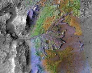 Místo přistání sondy Perseverance. Kráter uprostřed je pojmenován jako Jezero. Jeho dno je poznamenáno působením vody v dávné minulosti Marsu. Autor: NASA/JPL-Caltech/MSSS/JHU-APL