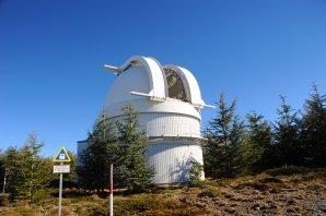 Kopule dalekohledu Schmidt s  průměrem zrcadla 1,2 m. Autor: Zdeněk Bardon