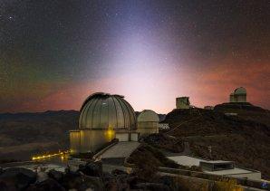 Zodiakální světlo a silné airglow nad observatoří ESO, La Silla, Chile Autor: Zdeněk Bardon