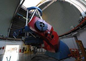 Celkový pohled na dalekohled MPG 2,2 m. ESO, La Silla, Chile Autor: Zdeněk Bardon
