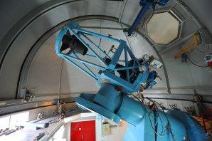 Celkový pohled do kopule Dánského 1,54 m dalekohledu. ESO, La Silla, Chile Autor: Zdeněk Bardon