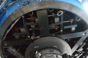 Vyvažovací systém zrcadla dalekohledu ESO 3,6 m. ESO, La Silla, Chile Autor: Zdeněk Bardon