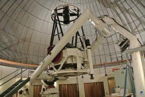 Dalekohled 1,52 m Steward Observatory Telescope. SkyCenter, Mt. Lemmon, Arizona, USA Autor: Zdeněk Bardon