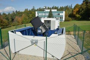 Celkový pohled na otevřený kryt robotické observatoře Blue Eye 600. Autor: Zdeněk Bardon