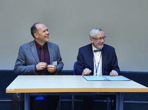 Podpis memoranda o spolupráci ČAS a SAS na sjezdu ČAS 18. 9. 2021 Autor: Petr Sobotka