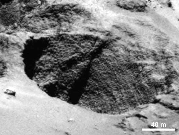 Dinosauří vejce nalezené na 67P Churyumov-Gerasimenko Autor: ESA