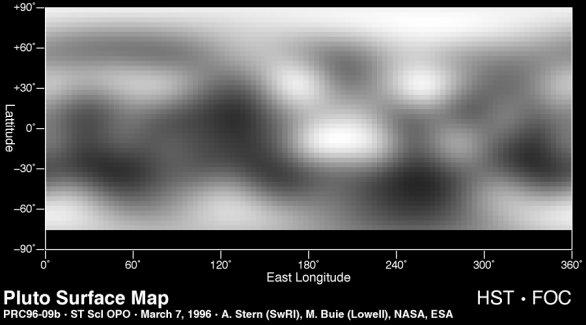 Mapa Pluta vyextrapolovaná z albedových útvarů pozorovaných Hubbleovým teleskopem. Autor: NASA / HST