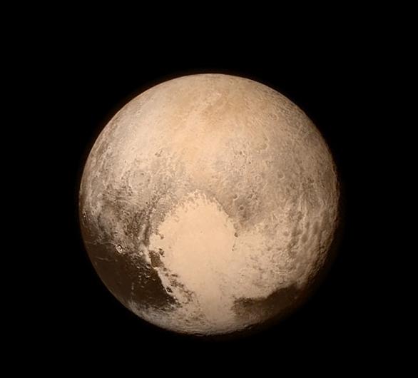 Pluto vyfotografovaný sondou New Horizons 13. 7. 2015 Autor: NASA/JHUAPL/SWRI